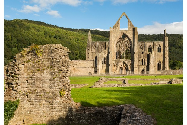 The dramatic ruins of Tintern Abbey in Wales (Getty)