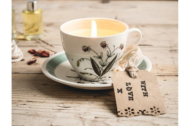 tea20candle208-9d8cf65