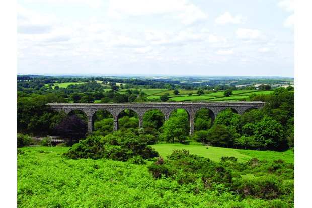 Lake viaduct- full span- straight on view, National Route 27, part of the Devon Coast to Coast Route (2002)