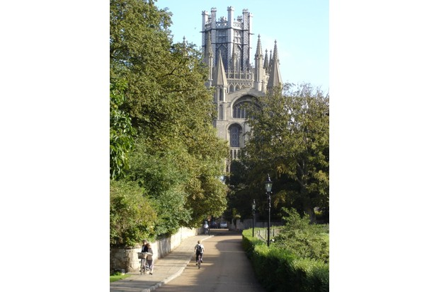 Ely Cathedral, National Route 11.