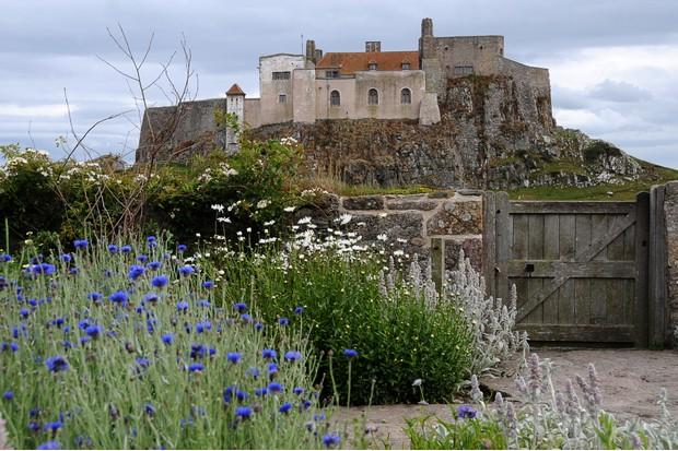 Garden and castle