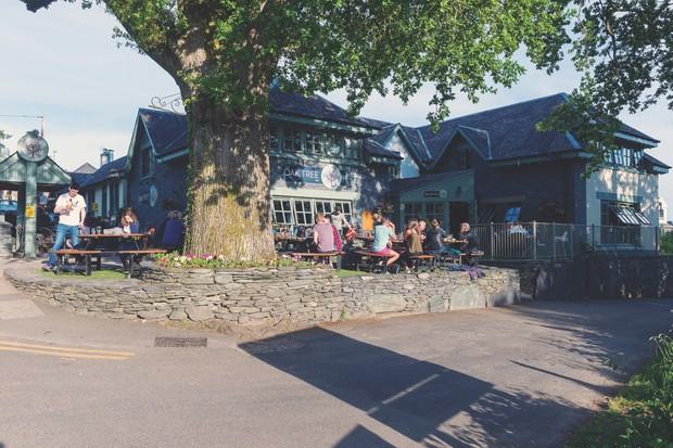 Oak Tee Inn, Scotland