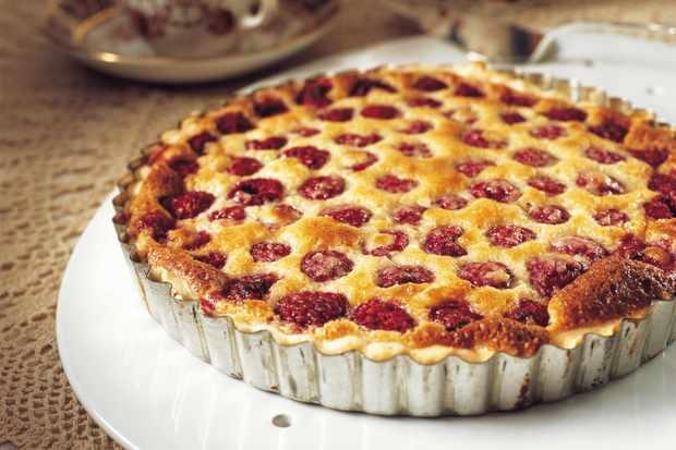 rasp almond tart