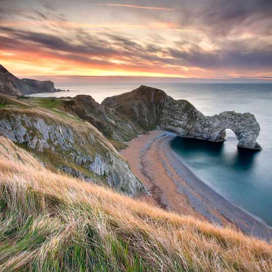 Durdle Door arch and sea