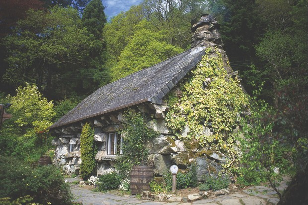Ty Hyll (The Ugly House), Snowdonia