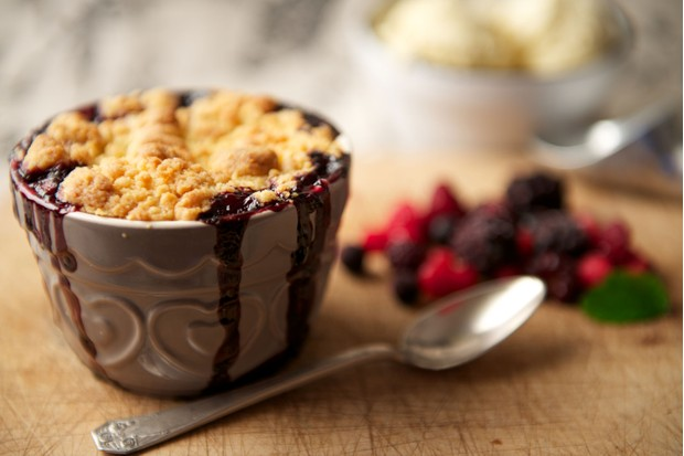 Blackberry cobbler (Photo by: peterotoole via Getty Images)