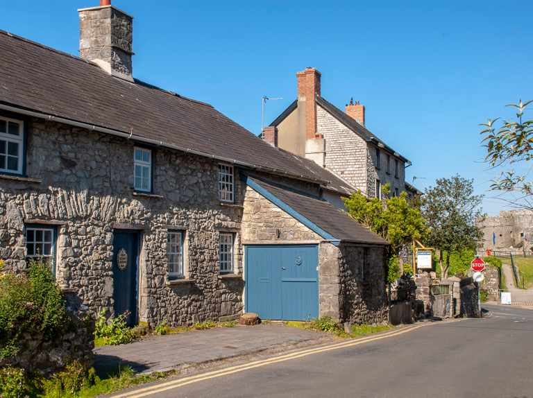 Car-free breaks: holiday cottages and cabins near train stations