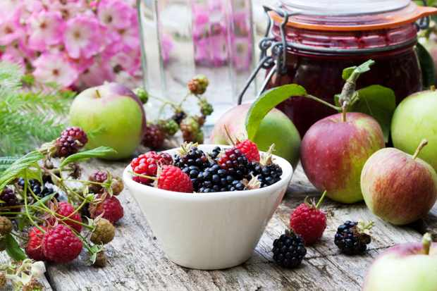 Fruits and jam pot