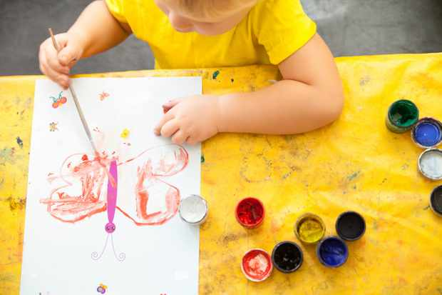 Crafts and outdoor activities for children - cover