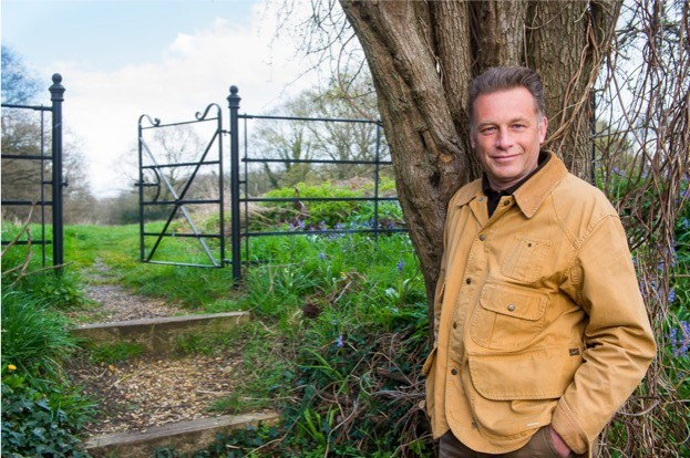 050416-Chris-Packham-96-Edit_623_Charlie-Best_BBC-Wildlife-f342644