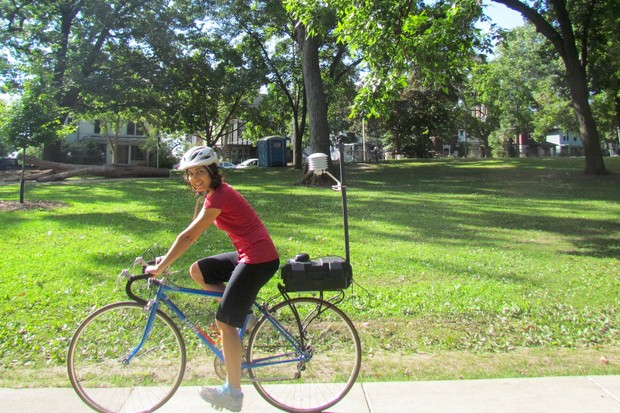 For her research, Carly Ziter biked around Madison with a small weather station strapped to the back of her bike. © Carly Ziter