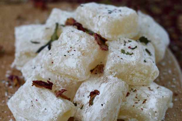 How to make wild rose lokum (Turkish delight)