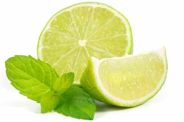 Limes and mint. © ori-ori/Getty