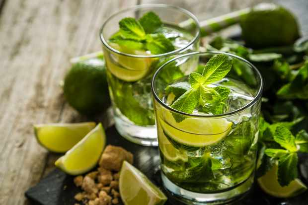 Mojito cocktail. © a_namenko/Getty