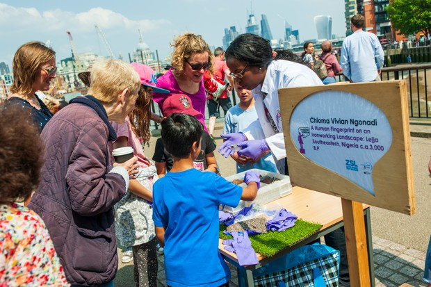 Chioma Vivian Ngonadi sharing her research with the public in London during Soapbox Science 2018. © Soapbox Science.