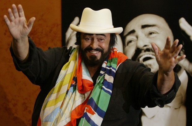 NEW YORK - OCTOBER 2: Tenor Luciano Pavarotti signs copies of his new CD