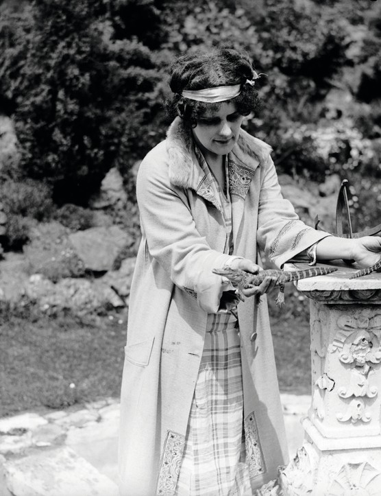 June 1929:  Musician Beatrice Harrison at her home in Oxted, Surrey.  (Photo by Fox Photos/Getty Images)