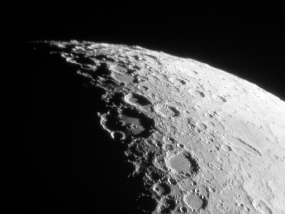 Crater Clavius, captured in the same manner as the image of Copernicus above. Credit: Ade Ashford