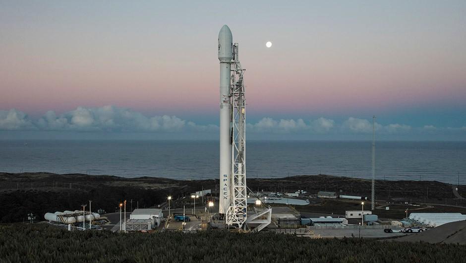 SpaceX is preparing to launch the fourth batch of 10 next-gen Iridium NEXT satellites, which won't flare. Credit: SpaceX