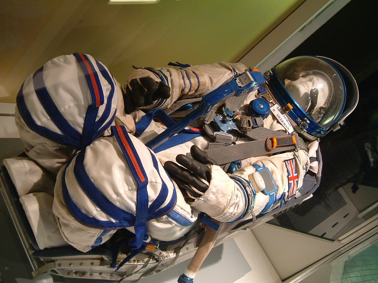 Helen Sharman's spacesuit on display at the National Space Centre in Leicestershire. Credit: Alan Saunders (Kaptain Kobold) from Staines, UK - Flickr