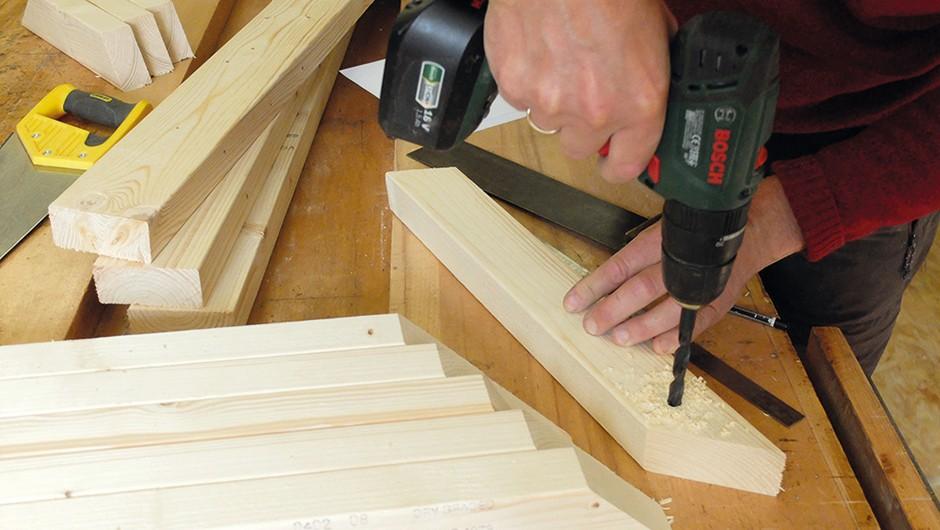 Build-wooden-tripod-02