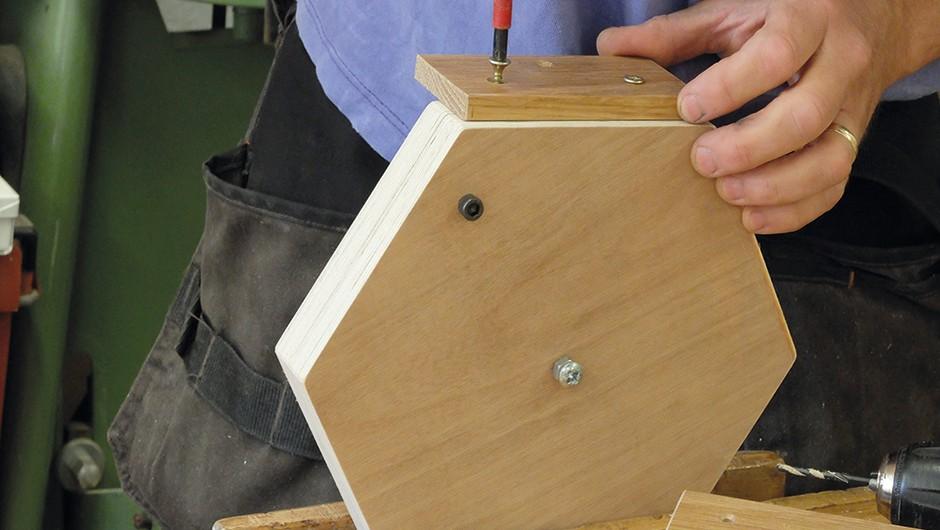 Build-wooden-tripod-05