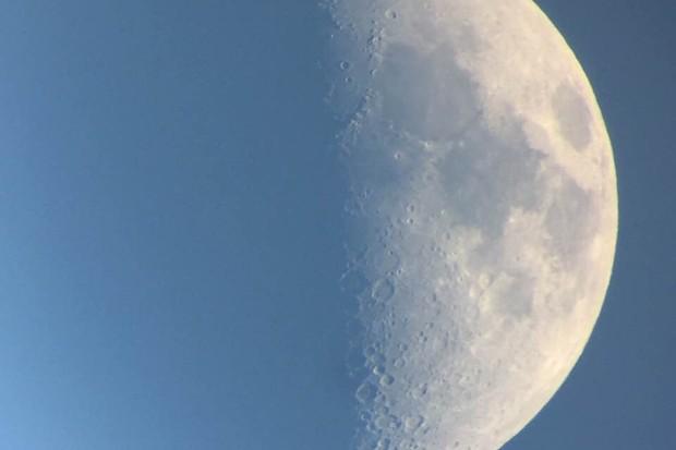 Half-Moon-Dec-25-2017-a127afc