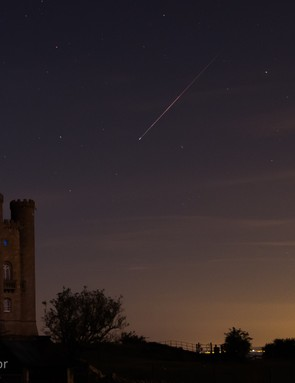 Perseid over Broadway Tower Andy Taylor, 21 August 2017. Equipment: Canon EOS 60D DSRL, 24-105mm lends