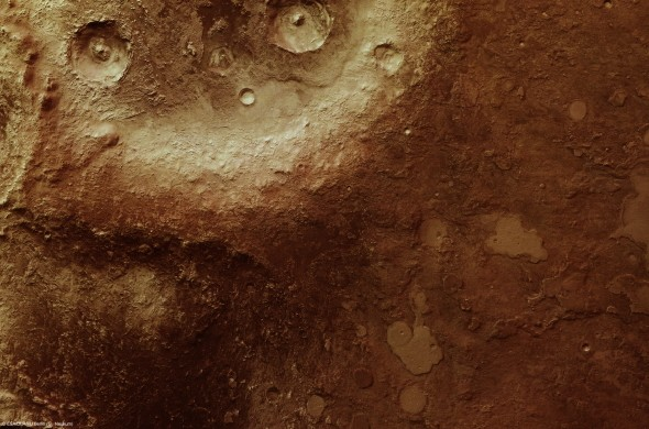 New images of Mars's cratered highlands from ESA's Mars Express probe
