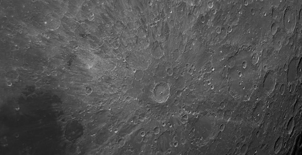 Tycho crater on the Moon, by FERNANDO OLIVEIRA DE MENEZES