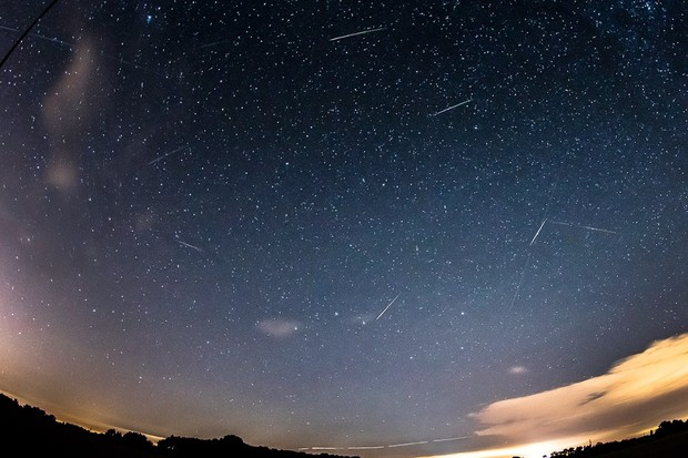 Perseid meteor Luke Hayes, Essex, 11 August 2016. Equipment: digital camera.