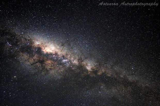 lowresnugalaxyshot-3165fe5