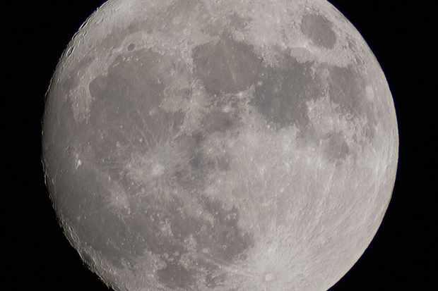 moon-16-04-2011-60c4b04