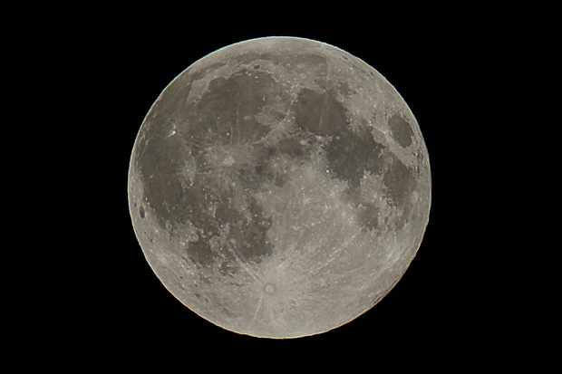 super-moon-close-up-PS-converted-converted-06d3ec5