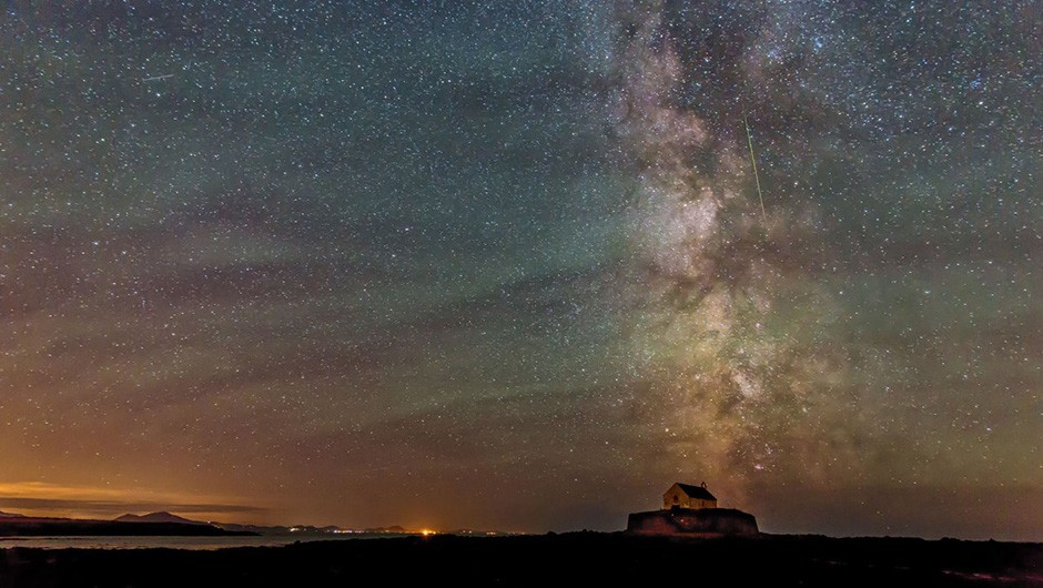 04 - Kevin Lewis - Perseid over St. Cwyfan Church