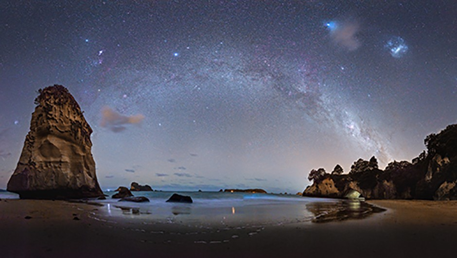 09 - Alex Conu - The Milky Way above Cathedral Cove