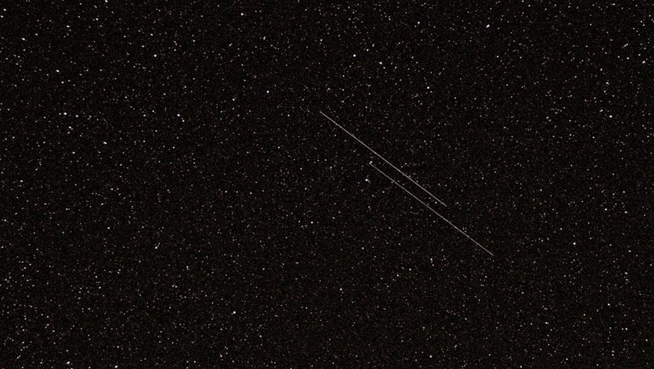NOSS 3-3 duo passing by Polaris (bright star at the bottom) © Wikimedia Commons