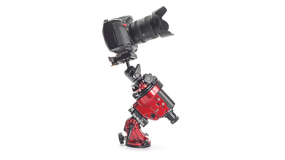 For astrophotography, the star tracker is positioned between the camera and the tripod. Credit: The Secret Studio