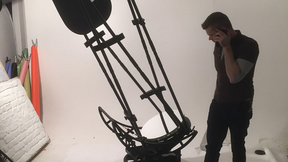 BBC Sky at Night Magazine art editor Steve Marsh contemplates the assembly of the massive 20-inch StarGate 500P Dobsonian, during its photoshoot for the April 2018 issue. Credit: Iain Todd / BBC Sky at Night Magazine Carousel image: iStock