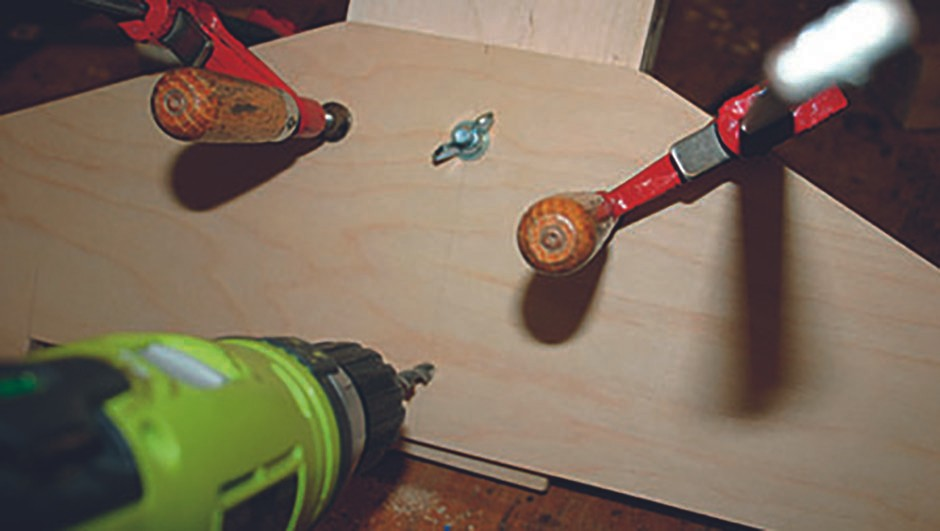 build chair STEP6
