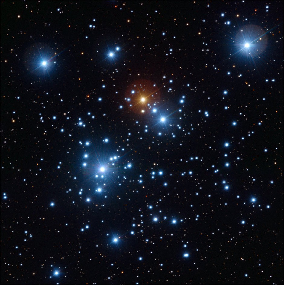 The Jewel Box cluster is an unmissable southern sight. Credit: ESO/Y. Beletsky