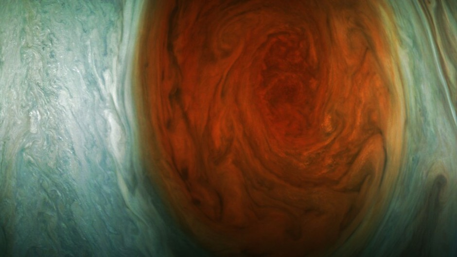 An image of Jupiter's Great Red Spot captured during its flyby. This is the closest view of the planet's huge storm ever captured. Credit: NASA/JPL-Caltech/SwRI/MSSS/Gerald Eichstädt