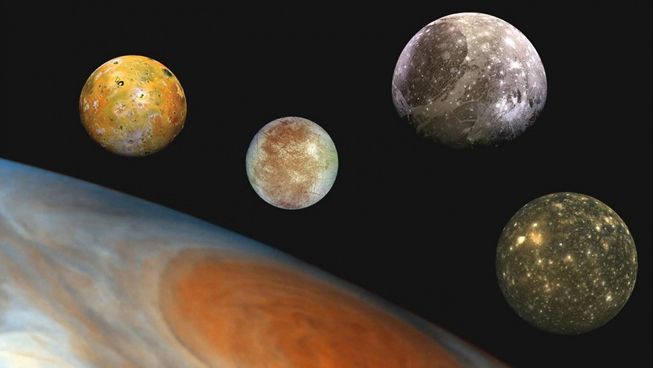 An illustration showing Jupiter and its four Galilean moons, from left to right Io, Europa, Ganymede, Callisto. Credit: NASA/JPL/DLR