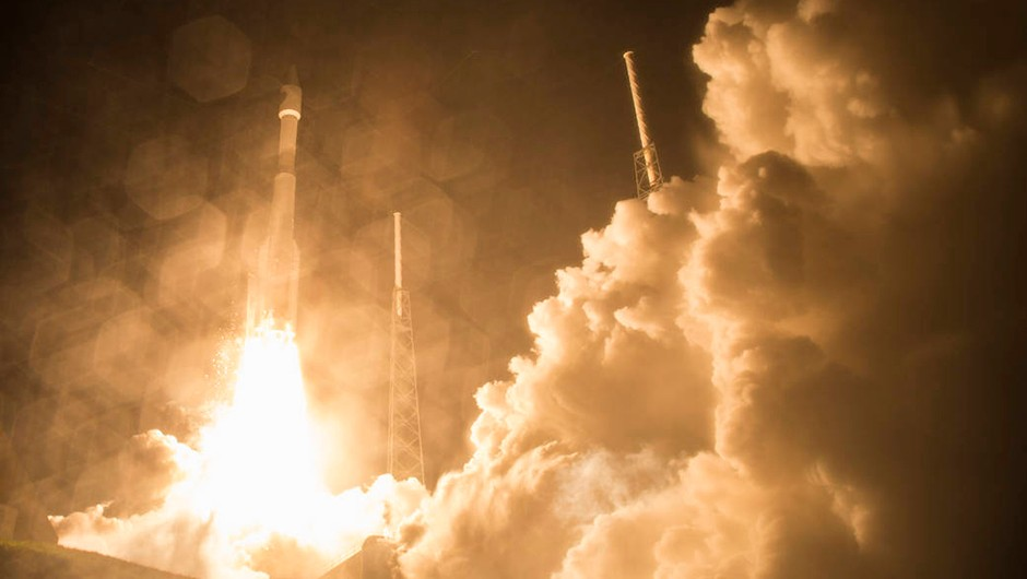 The United Launch Alliance Atlas V rocket with NASA's Magnetospheric Multiscale (MMS) spacecraft onboard launches from the Cape Canaveral in 2015 © NASA
