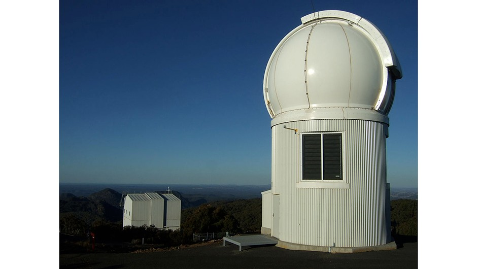 The SkyMapper telescope at Siding Spring Observatory, and the 2.3 m telescope in the background. Credit: Iridia (en.wikipedia.org/wiki/SkyMapper)