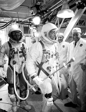 Gene Cernan (left) and Tom Stafford (centre) arrive at launch pad 19 at Cape Kennedy Air Force Station, 3 June 1966, for the launch of the Gemini 9 mission. (NASA)