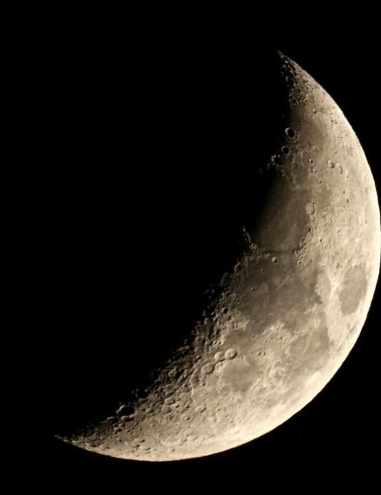 Six-day old waxing crescent Moon, Sarah & Simon Fisher, Worcestershire, 12 March 2019. Equipment: Canon EOS 600D DSLR camera, 127mm Maksutov.
