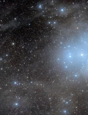 Comet C/2016 R2 (PANSTARRS) & the Pleiades José J. Chambó, New Mexico, US, 4 February 2018 Equipment used: SBIG STL11000M CCD camera, Takahashi FSQ-106ED refractor.