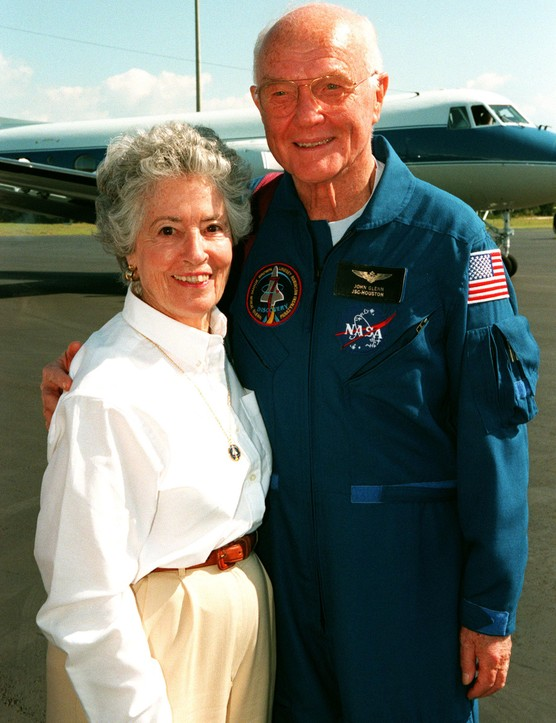 Following landing, John stands with his wife Annie at Cape Canaveral Air Station before their return flight to Johnson Space Center in Houston, Texas. (Credit: NASA)