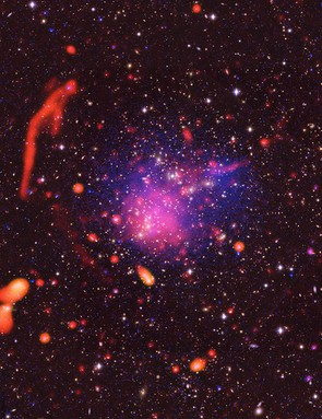 Colliding galaxy clusters Abell 2744, Karl G Jansky Very Large Array / NASA Chandra X-ray Observatory, 7 November 2017 (Credit: Pearce et al.; Bill Saxton, NRAO/AUI/NSF; Chandra, Subaru; ESO.)